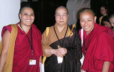 Venerable Wu Yin standing with two Tibetan nuns.