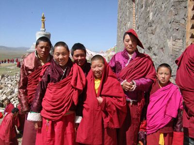 Happy tibetan nuns.