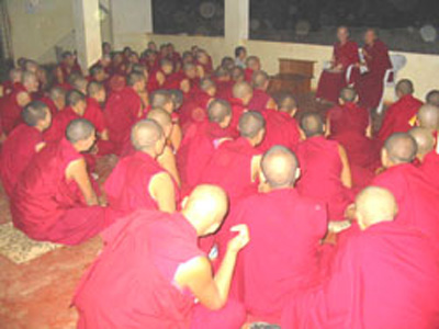 Venerable Chodron was invited to give a talk to the nuns of Jangchub Choeling Nunnery.