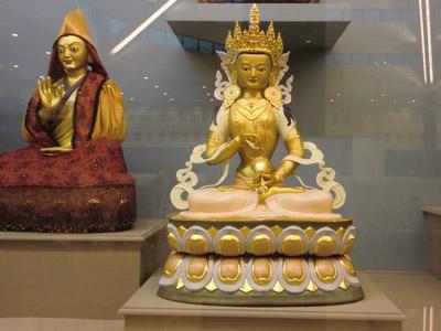 A golden vajrasattva statute.